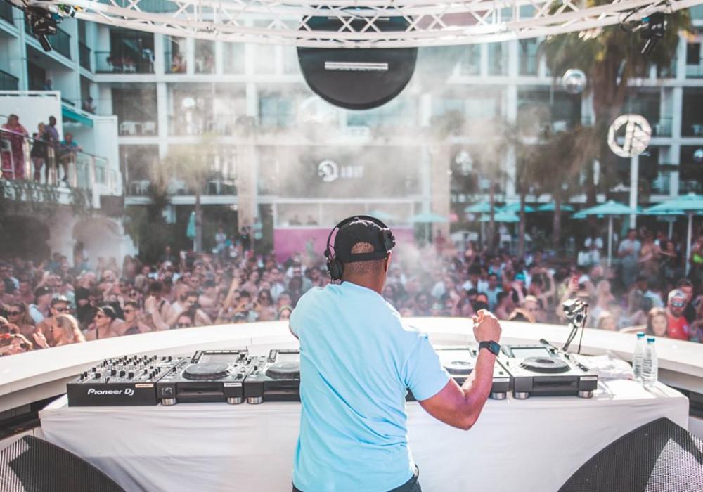DJ EZ Eluzive Pool Party image