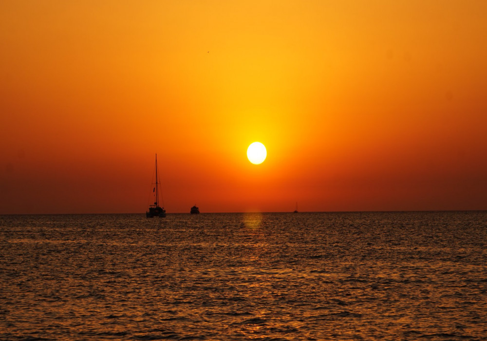 3h Cruise All inclusive Boat Sunset Trip image