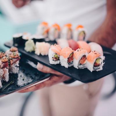 Sushi (12 pieces)